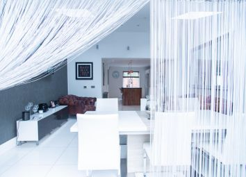 Thumbnail 4 bed detached house for sale in Aaron Place, Doddinghurst, Brentwood