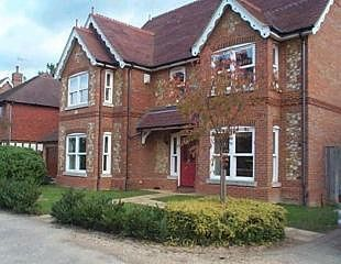 Thumbnail 5 bed detached house to rent in Hatfield Close, West Byfleet, Surrey
