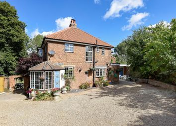 Thumbnail 4 bed detached house for sale in Hemel Hempstead, Herts