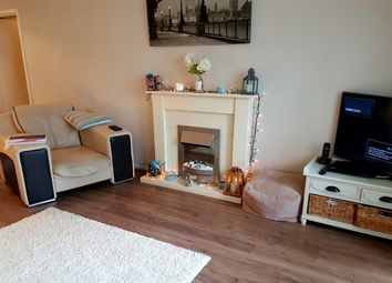 Thumbnail 2 bed flat to rent in Ffordd Garnedd, Y Felinheli