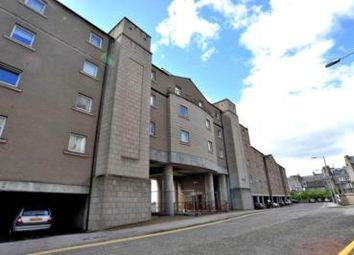 2 bed flat to rent in Castle Terrace, Aberdeen AB11