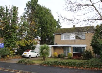 Thumbnail 3 bedroom detached house to rent in Sherborne Walk, Leatherhead