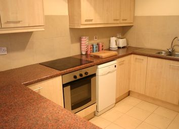 2 bed flat to rent in Wilmslow Road, Fallowfield, Manchester M14