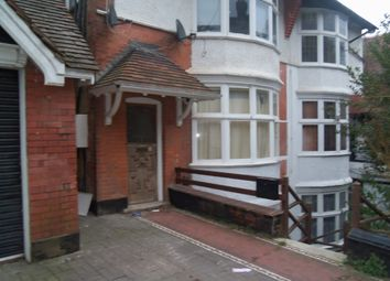 Thumbnail 1 bedroom flat to rent in Downs Rd, Luton