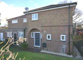 2 bed flat to rent in Orchard Road, Onslow Village, Guildford GU2