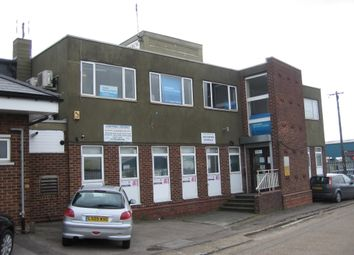Office to let in 799 London Road, West Thurrock RM20