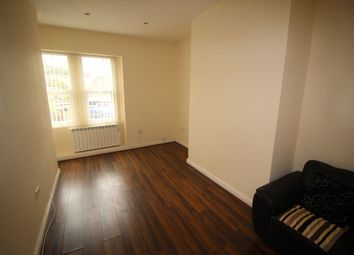 Thumbnail 3 bedroom flat to rent in Northgate, Halifax