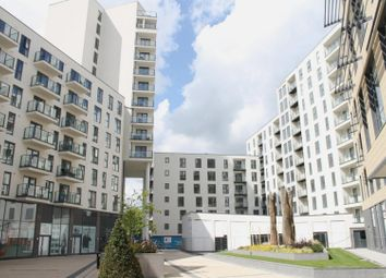 2 bed flat for sale in Guildford Road, Woking GU22