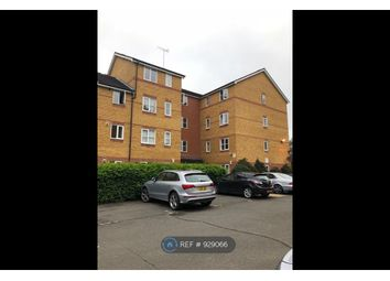2 bed flat to rent in Armoury Road, London SE8