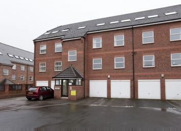 Thumbnail 1 bed flat to rent in Winteringham House, York