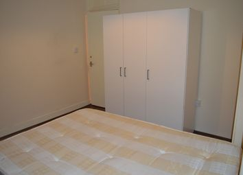 Thumbnail Room to rent in Lodge Avenue, London