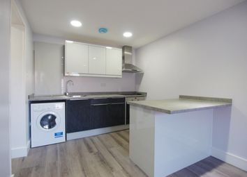 Thumbnail 1 bed flat to rent in Hornsey Road, Islington
