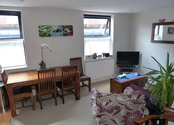 Thumbnail 2 bed flat to rent in High Street, Leatherhead