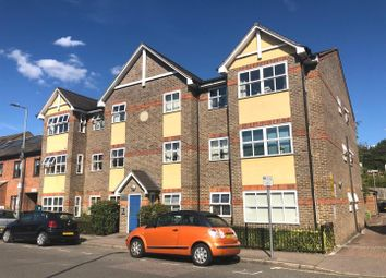 Thumbnail 2 bedroom flat to rent in Queens Road, Watford