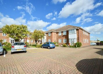 Thumbnail 2 bedroom flat for sale in Chalk Road, Gravesend