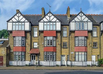 4 bed property for sale in The Avenue, Sunbury-On-Thames TW16