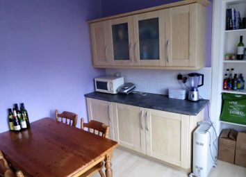 Thumbnail 2 bed flat to rent in 119 High Street, Flat 14, Glasgow