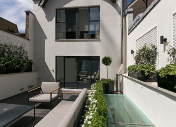 Thumbnail 4 bed town house to rent in Cheval Place, London