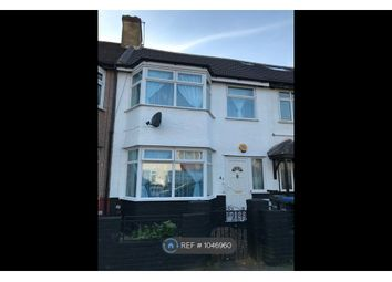 4 bed terraced house to rent in Lion Road, London N9