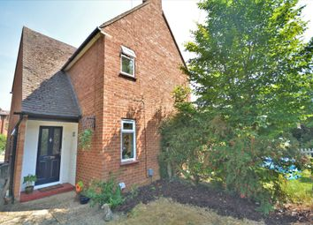 Woodside Road, Amersham HP6. 2 bed maisonette