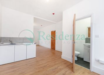 Thumbnail 1 bedroom flat to rent in Beechwood Road, Caterham