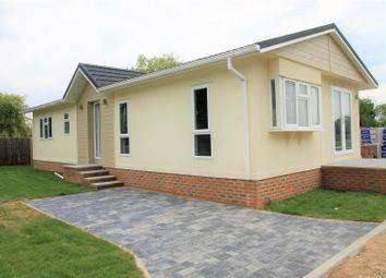 Thumbnail 2 bed property for sale in Lyngfield Caravan Park, Huxtable Gardens, Bray, Maidenhead