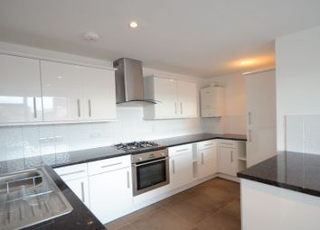 Thumbnail 2 bed flat to rent in King Street, Maidenhead