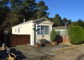 Thumbnail 1 bed mobile/park home for sale in Pinelands Mobile Home Park, Padworth Common, Reading