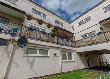 Thumbnail 2 bed flat for sale in Kennedy Square, Leamington Spa