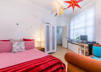 Thumbnail 3 bedroom flat to rent in Argyle Street, Bloomsbury, London