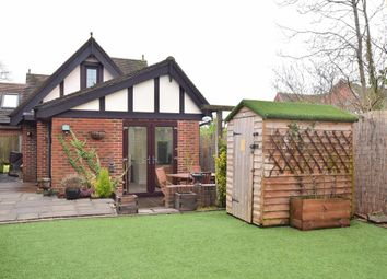Thumbnail 1 bed link-detached house for sale in Green Hedges Avenue, East Grinstead, West Sussex