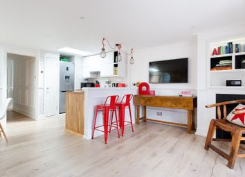 Thumbnail Serviced flat to rent in Stockwell Street, London