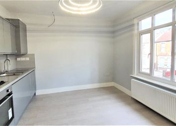 Thumbnail 2 bed flat to rent in West Street, Bromley, Kent