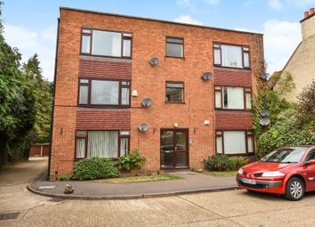Thumbnail 2 bed flat for sale in Slough, Bershire