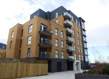 Thumbnail 1 bed flat to rent in Montagu House, Padworth Avenue, Reading