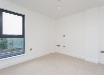 Thumbnail 1 bed flat to rent in The Broadway, Loughton