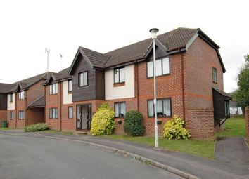 Thumbnail 2 bed flat to rent in Sandringham Road, Petersfield