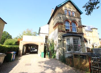 The Avenue, Worcester Park KT4. Studio to rent