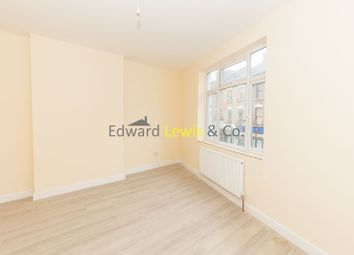 Thumbnail 1 bed flat to rent in Lower Clapton Road, London