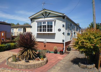 Thumbnail 2 bedroom mobile/park home for sale in Old Brisge Road, Bournemouth