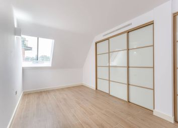 Thumbnail 3 bed flat to rent in High Street, Brentford