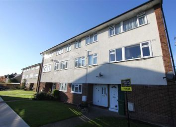 2 bed maisonette to rent in Market Avenue, Wickford, Essex SS12