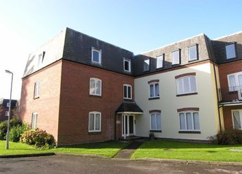 2 bed flat to rent in Victoria Gardens, Newbury RG14