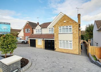 Thumbnail 5 bedroom detached house for sale in Warwick Avenue, Cuffley, Potters Bar