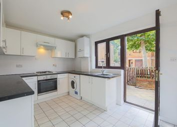 Thumbnail 3 bed town house for sale in Brunswick Quay, London