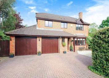 Thumbnail 4 bedroom detached house for sale in Matthews Chase, Binfield, Bracknell