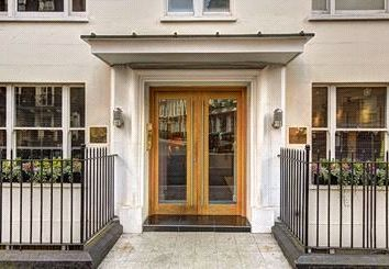 Thumbnail 1 bedroom property to rent in Hill Street, Mayfair
