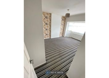 4 bed semi-detached house to rent in Cuddington Crescent, Stockport SK3