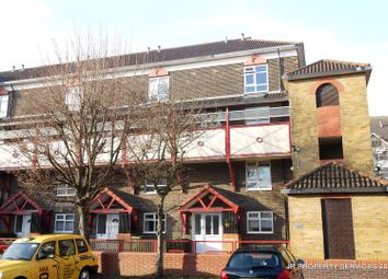 Thumbnail 2 bedroom flat for sale in Kennedy Close, Cheshunt, Waltham Cross