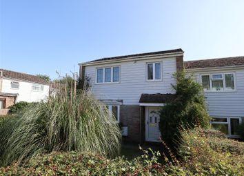 3 bed property for sale in Reynards Close, Tadley RG26